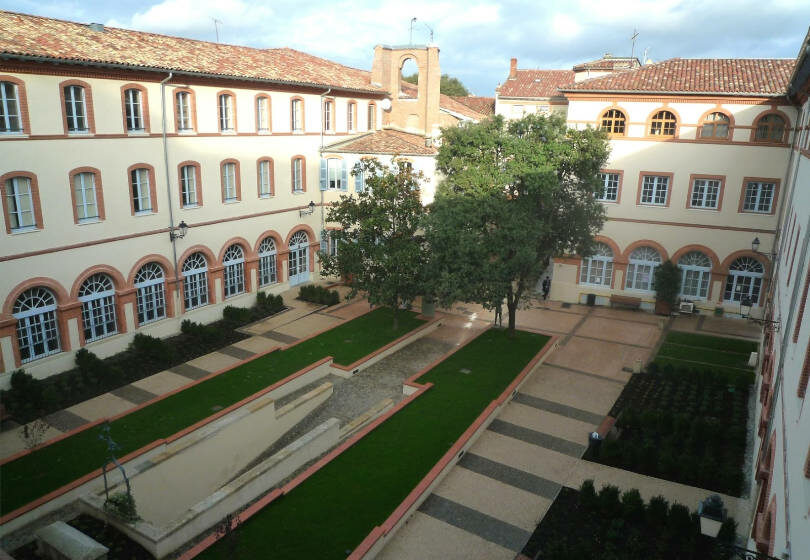 Campus ICT Toulouse ESQESE cour interieure