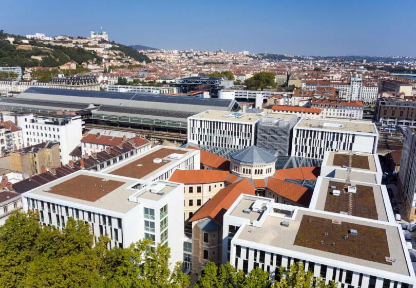 Campus St paul Lyon UCLy ESQESE vue drone